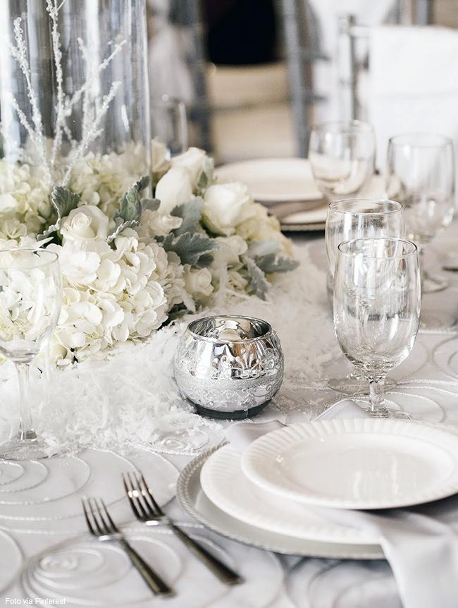 vaso de prata para decora a mesa de ano novo