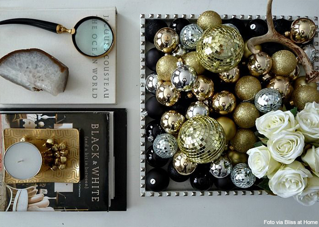enfeites natalinos dourados