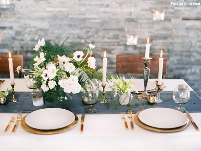 mesa decorada com castiçais