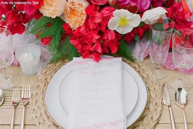 02 prato branco flores vermelhas