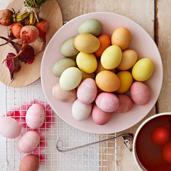 02 ovos coloridos