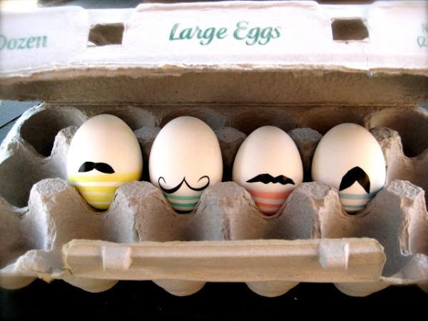03 carinhas em ovos