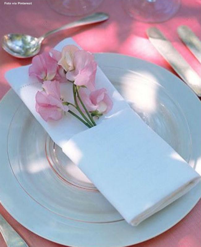 11 Branco com flor rosa